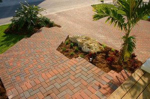 Paving Crew is Your Sarasota Walkway Installer